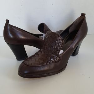 Bottega Veneta Italy Brown Woven Leather Pumps
